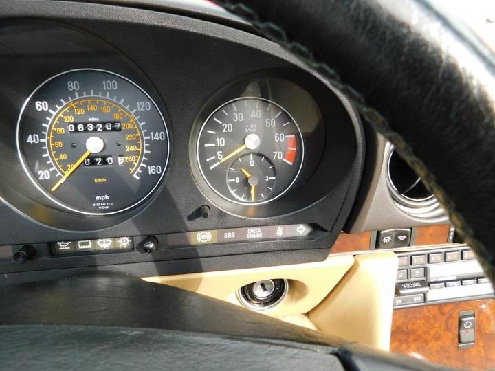 MERCEDES-BENZ 560SL