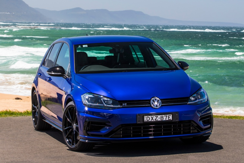 Volkswagen Golf GTI and R 2019 Review | Drive com au