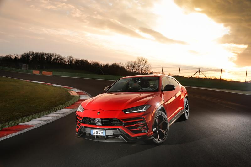 2020 Porsche Cayenne Coupe GT5 Gets Lambo Urus Engine >> Lamborghini Urus First Drive Review Driven Lamborghini S Monster