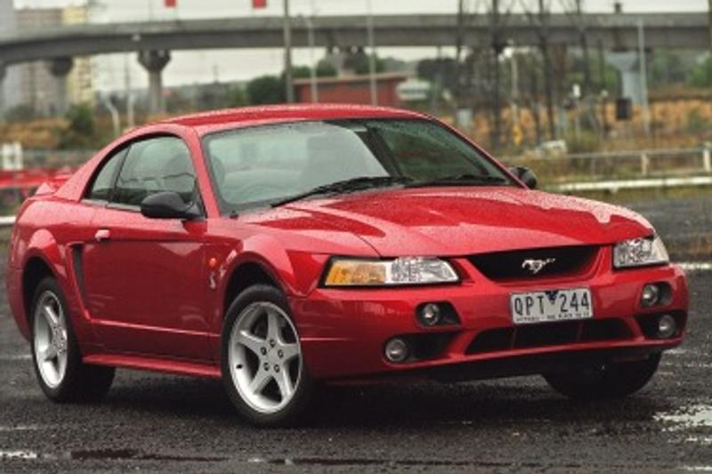 Ford Mustang 2001-2003 used car review