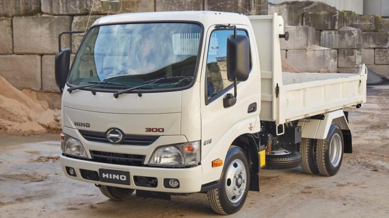 Short haul: Hino 616 IFS Tipper - Short haul: Hino 616 IFS