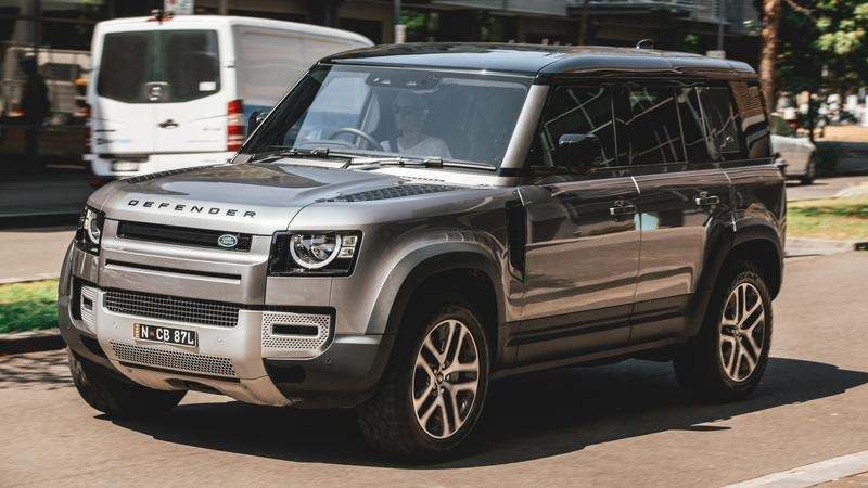 2021 Land Rover Defender 110 P400 S on-road review | Tech ...