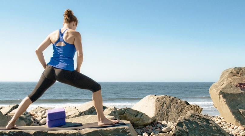 Beach Yoga & Sand Painting Class in San Francisco
