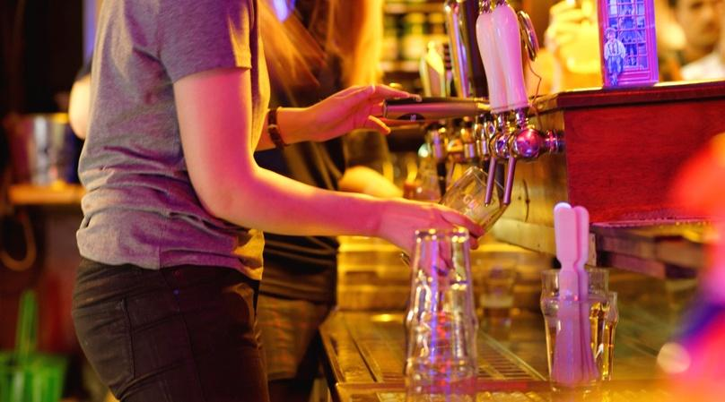 Guided Pub Crawl through Bars & Nightclubs in West End, London