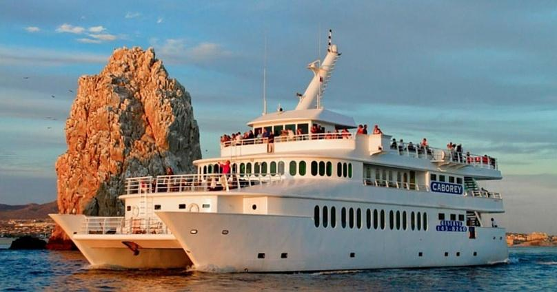 Cabo San Lucas Sunset Buffet Cruise