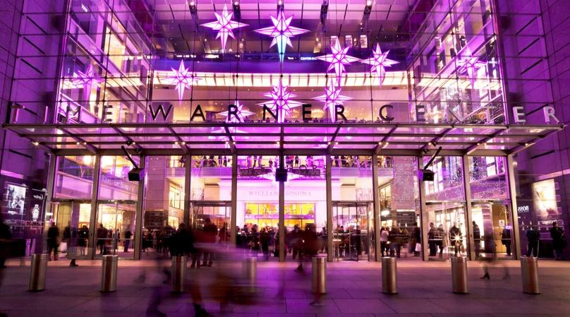 Holiday Lights & Movie Sites Bus Tour in New York City