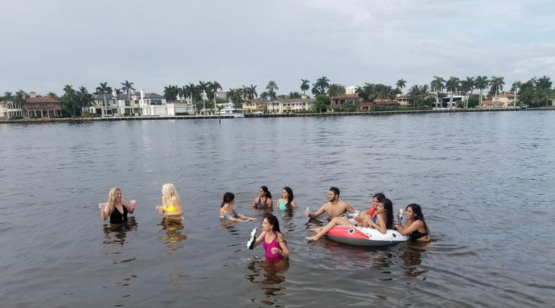Party Boat Sandbar & tour in Fort Lauderdale