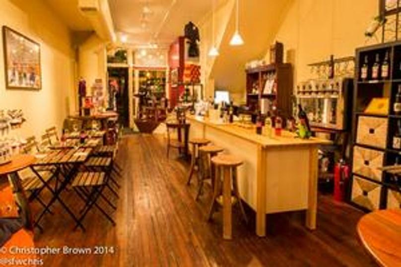 Sparkling Wine Tasting in Philadelphia's Old City