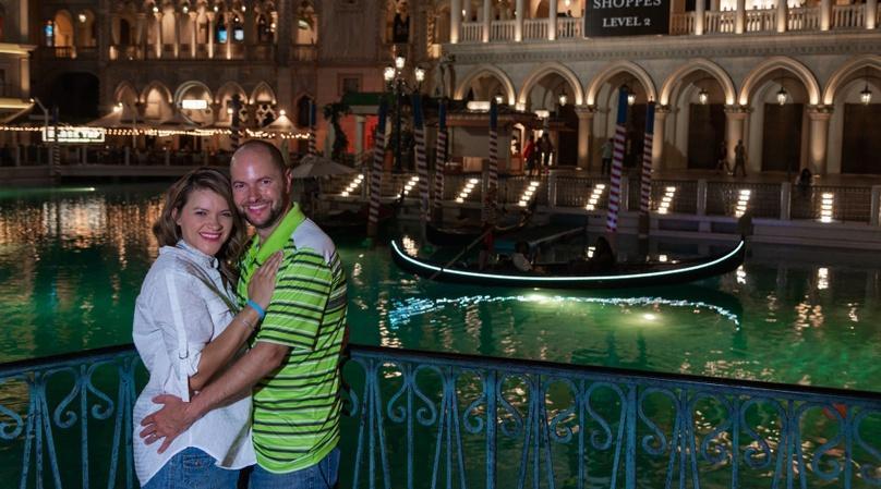 Las Vegas Walking Photo Tour & Shoot
