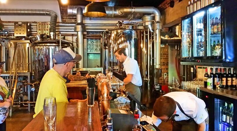 Guided Beer Bus Tour in Ronkonkoma