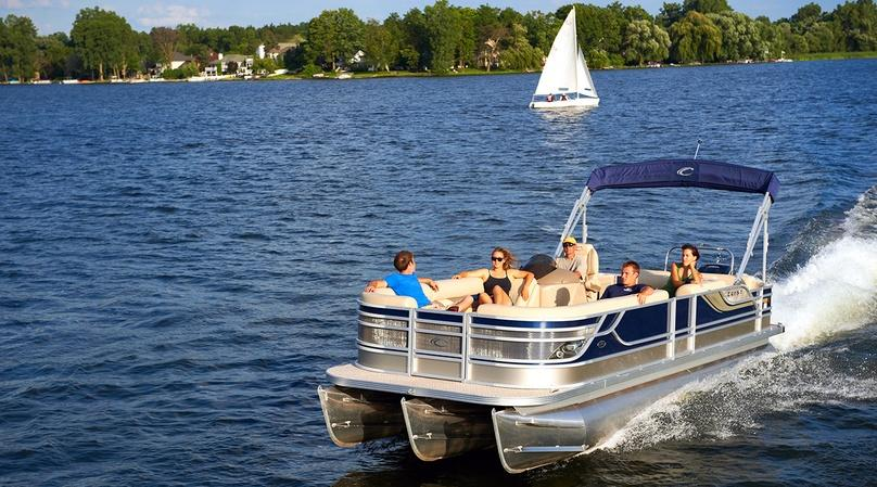 Half-Day 22-foot Pontoon Boat Rental in Palm Beach