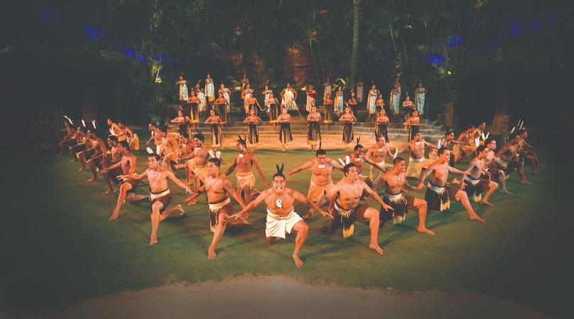 Polynesian Prime Rib Buffet Package