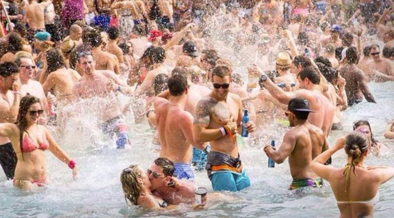 Las Vegas VIP Pool Party