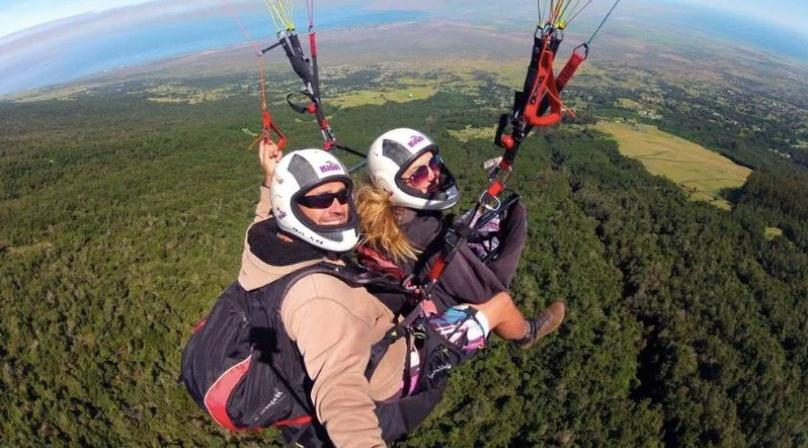 Paragliding at 1,000ft in Maui