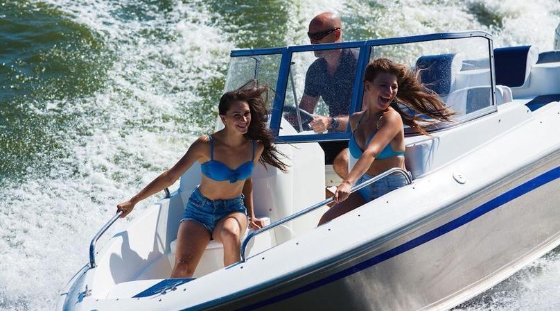 Electric Boat Cruise in Riviera Beach