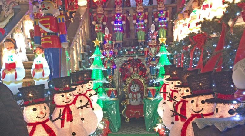 Dyker Heights Holiday Lights Walking Tour