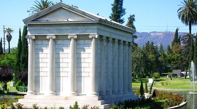 LA Cemetery of the Stars Tour
