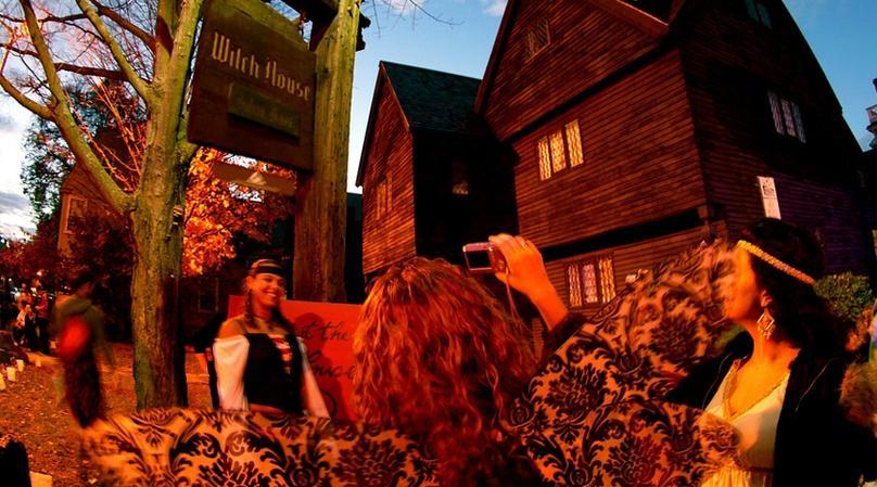 Salem Freedom Trails Night Tour
