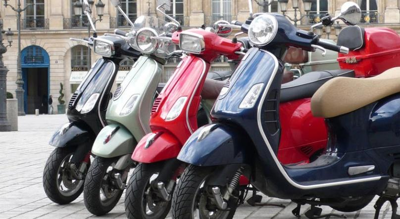 Guided Full-Day Scooter Tour of Paris