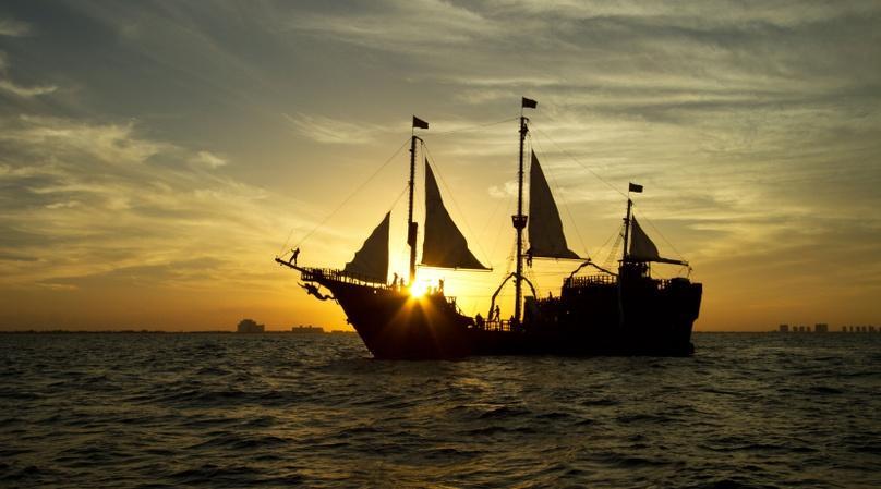 Pirate Show & Dinner Cruise in Cancun
