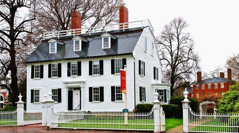 Guided Daytime Walking Tour of Salem