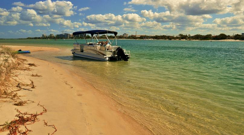 Palm Beach Two Hour 19' Pontoon Boat Rental