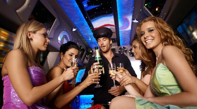 Saturday Mini Party Bus Service in California