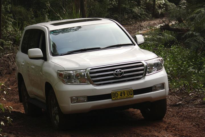 2010 Toyota LandCruiser 200 VX V8 Petrol Road Test Review