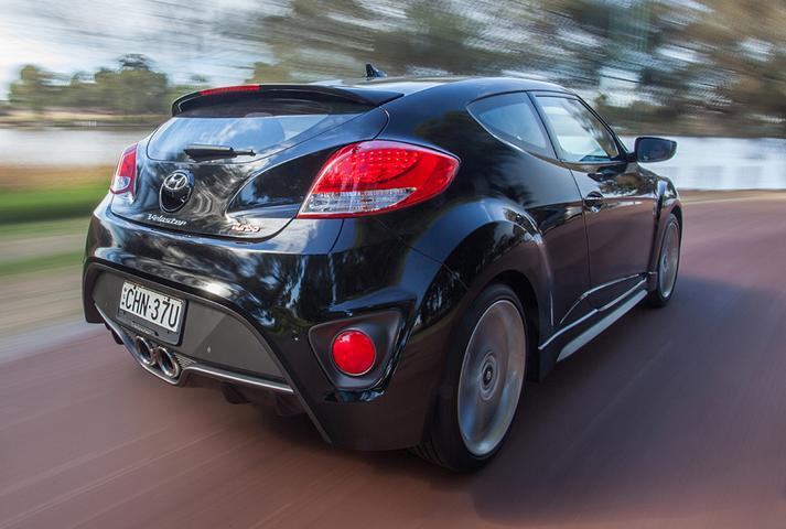 2013 Hyundai Veloster SR Turbo Manual Review