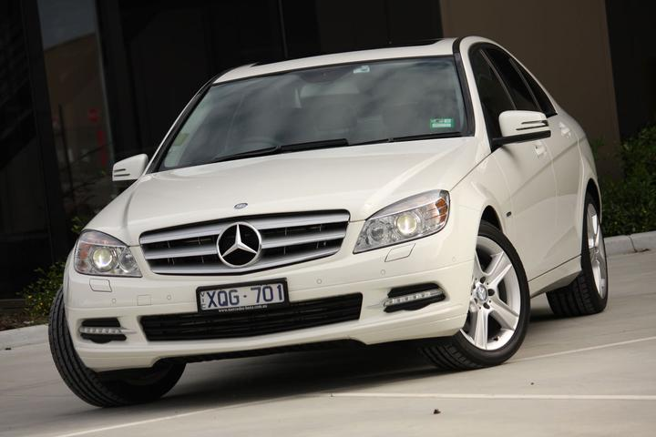 Mercedes-Benz C200 CGI BlueEfficiency Sedan Review