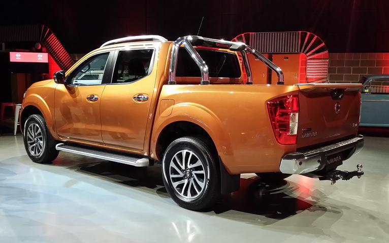 2015 Nissan Navara NP300 Review: RX, ST, ST-X