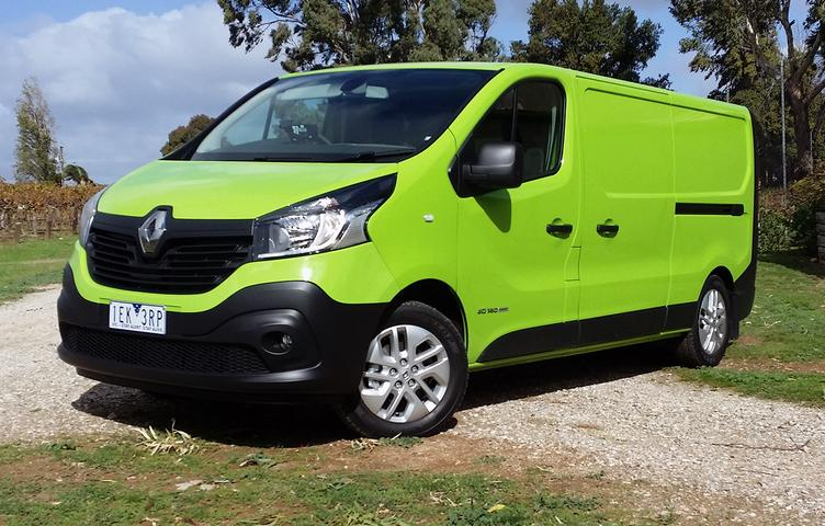 Renault Trafic Review 2015: dCi 140 - A Better Box And Surprisingly