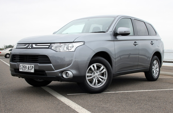 2013 Mitsubishi Outlander Recalled Over Safety System Issues