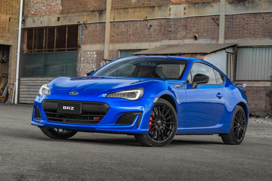 Head-to-head: Subaru BRZ tS v Nissan 370Z - Head-to-head