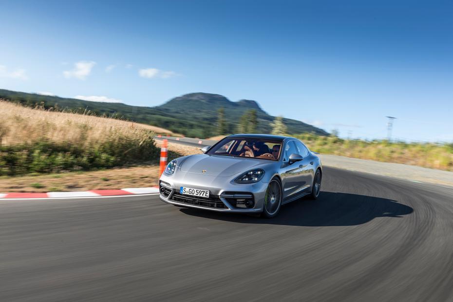 0 Porsche Panamera