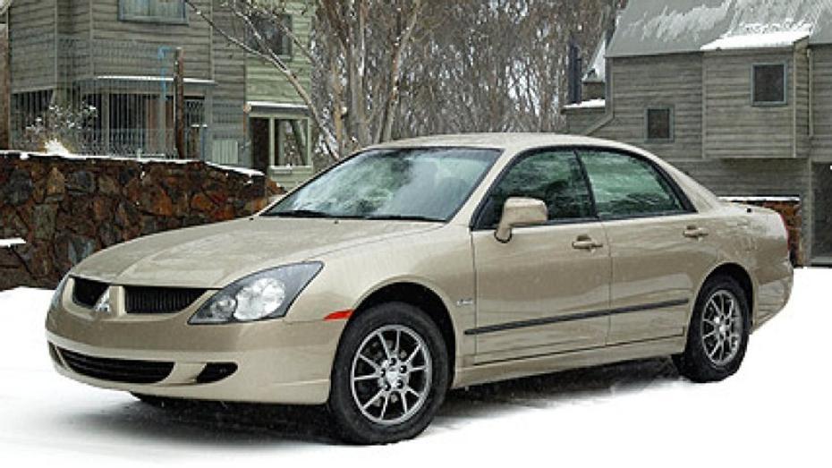 2004 Mitsubishi Magna