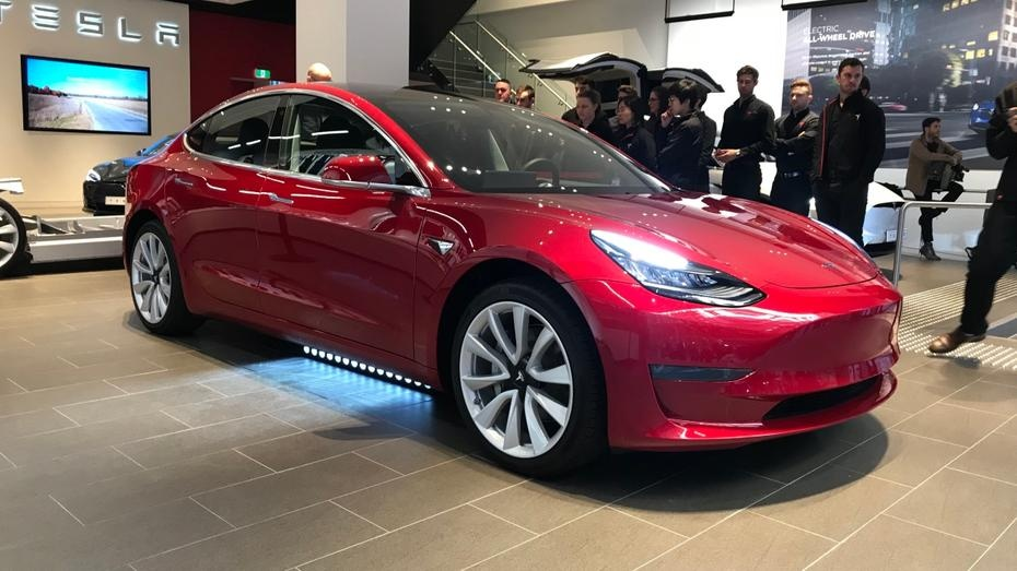 Tesla Model 3: First look for Australian customers | Drive ...