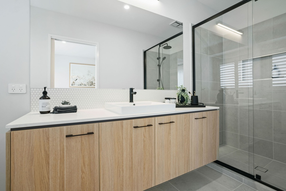 bathroom with one sink in bentley display home