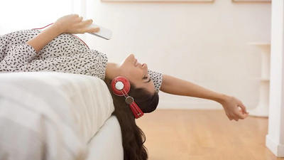 Turn it Up: 6 Sweet Ways Music Can Help Your Health
