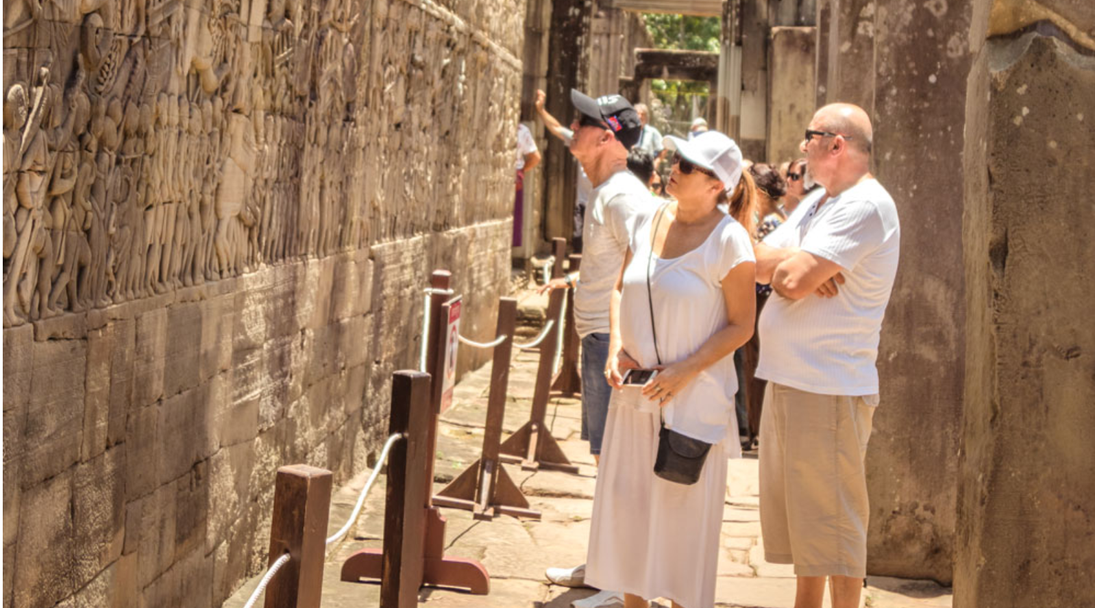 Essential Angkor Temples Discovery