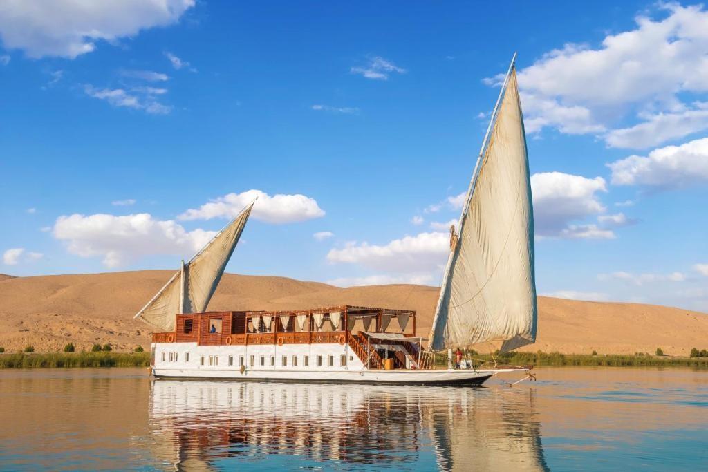 Egypt with Dahabiya Cruise