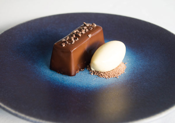 Chocolate moelleux, passion fruit sorbet