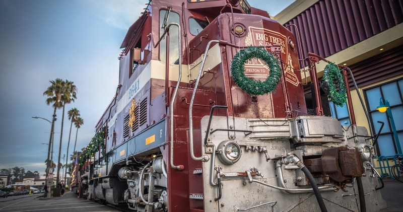 santa cruz holiday lights train roaring camp railroads