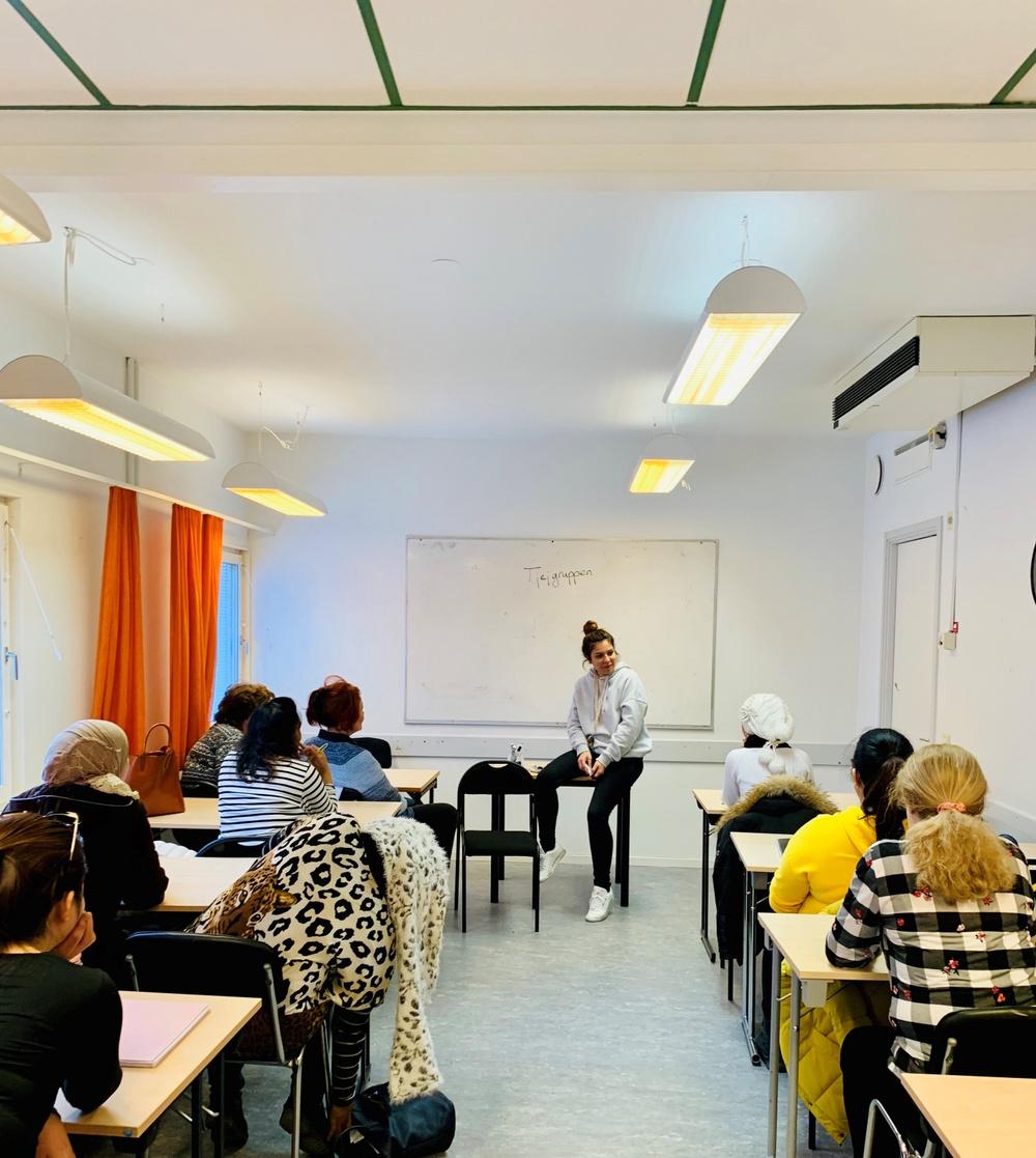I Tjejgruppen bestämmer deltagarna själv vilka ämnen de vill diskutera.