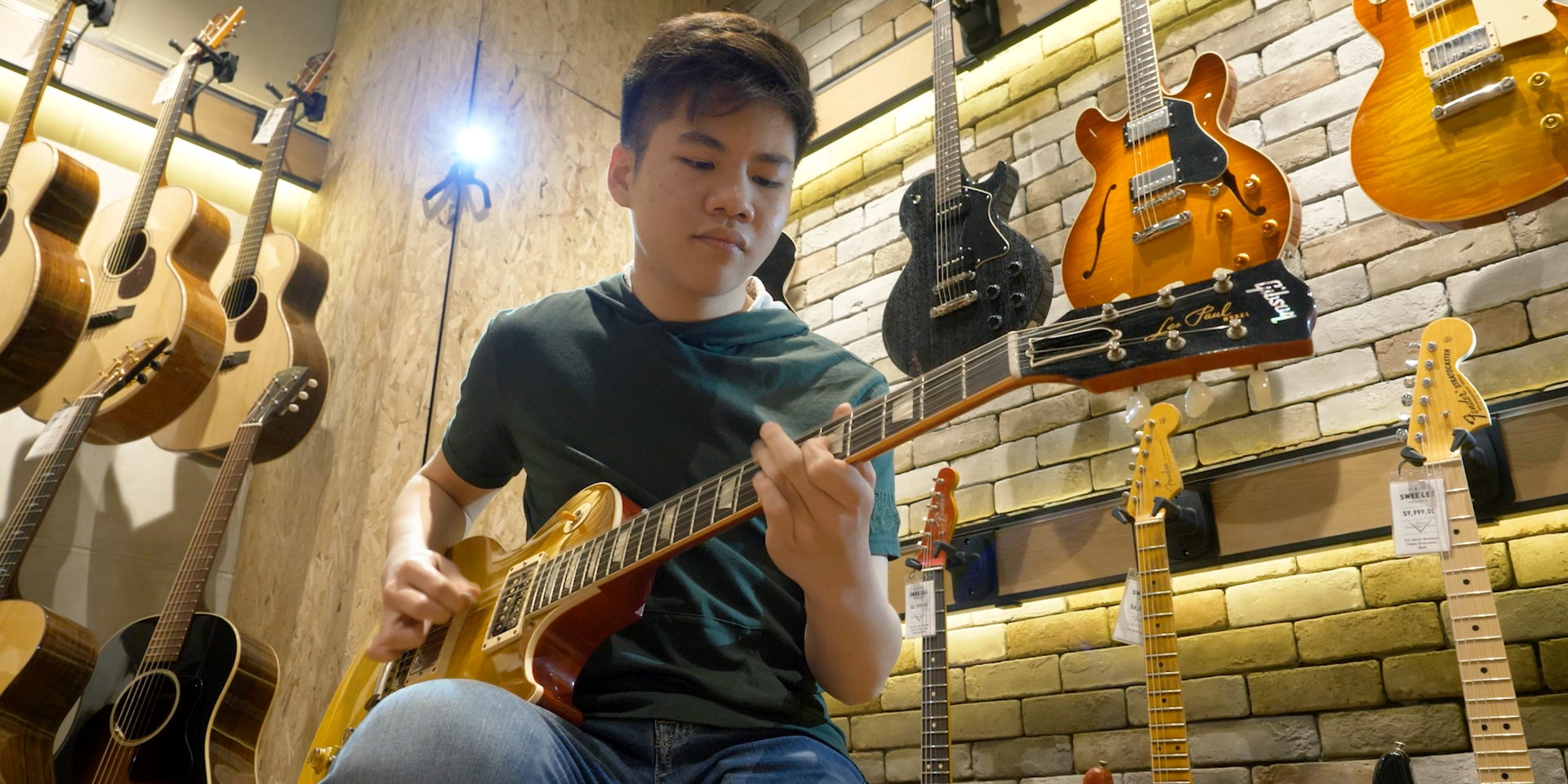 Guitar prodigy Alex Hooi solos for Bandwagon Sessions – watch