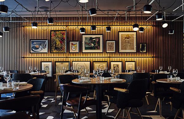 The ArtYard bar and kitchen