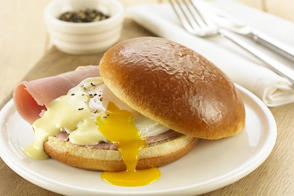 Lantmannen brioche bun with eggs Benedict