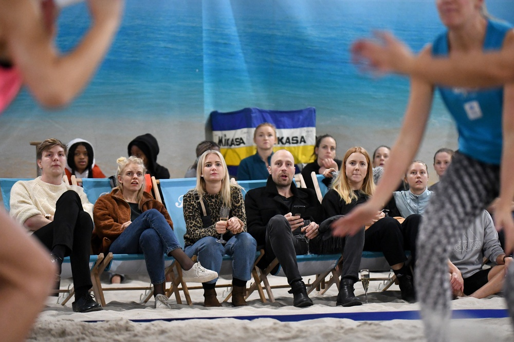 Publiken trivdes på Beach Royals. Foto: Johanna Svensson