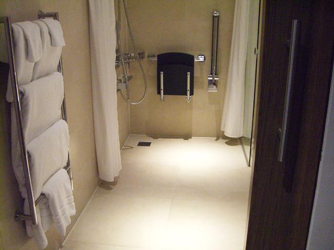 slidingdoor-towetroom