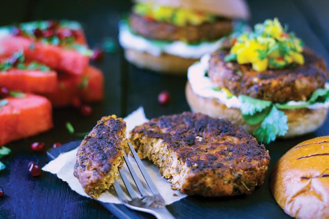 paramount spicy blackened salmon burger